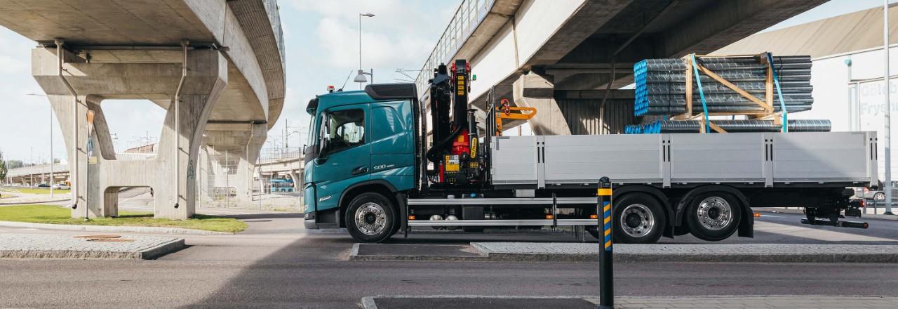Ordina il tuo Volvo FM con una vasta gamma di disposizioni dell'assale, interassi e altezze del telaio per le tue esigenze.